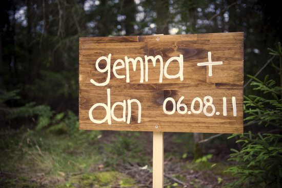 Wooden Wedding Signs.How To Make Wooden Wedding Signs The Sweetest Digs