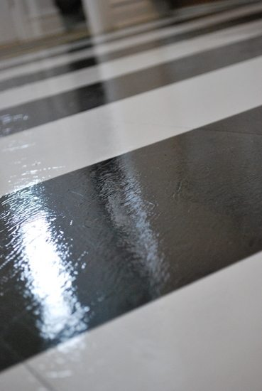 How To Lay Vinyl Black And White Flooring In Stripes