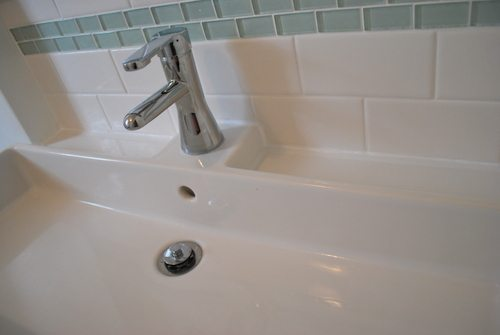 I Even Put Some Caulk Down At The Bottom Of Tub There Was Grout But It Hadn T Filled In Everywhere So This Finished Off