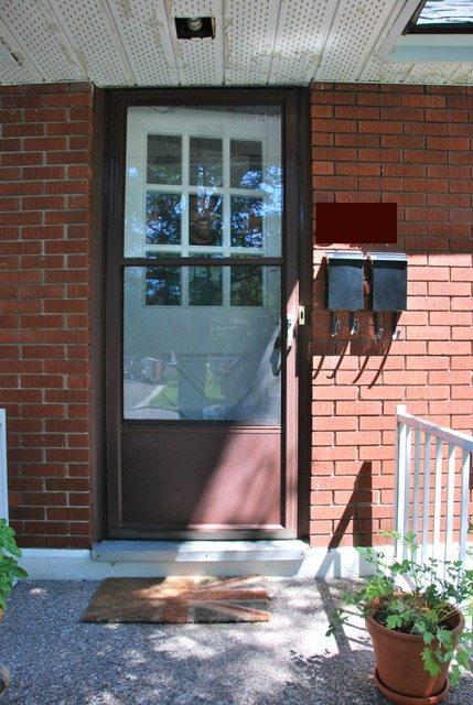 the DIY files: painting a screen door