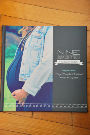 Create a pregnancy photobook