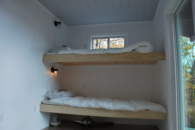 DIY bunk beds 5 - via the sweetest digs