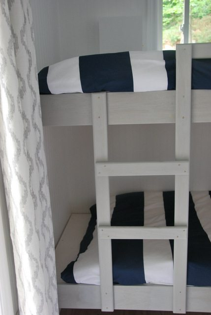 DIY bunk beds 7 - via the sweetest digs