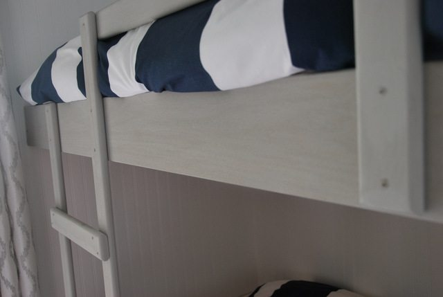 DIY bunk beds 8 - via the sweetest digs