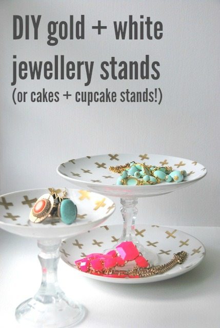 gold-jewellery-stands-via-the-sweetest-digs