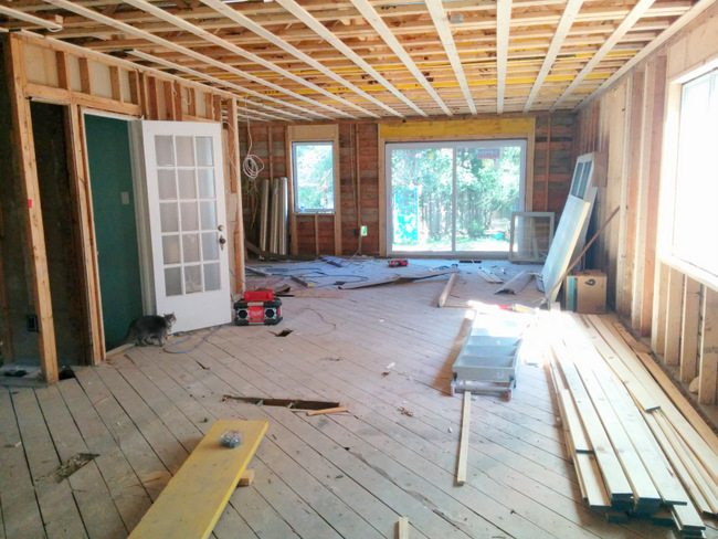house reno: main floor layout ideas - via the sweetest digs