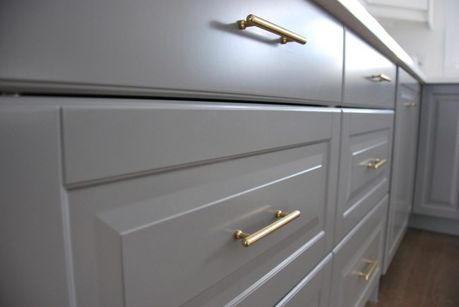 White Kitchen Knobs And Pulls how to choose and install gold hardware pulls in your kitchen