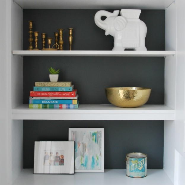 styling built in shelving - via the sweetest digs