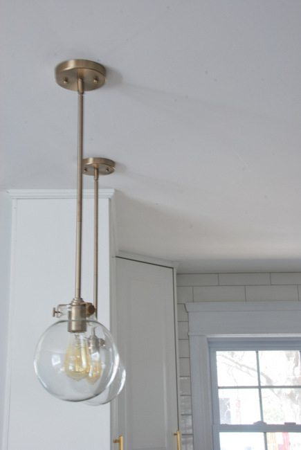 kitchen pendant lighting - via the sweetest digs