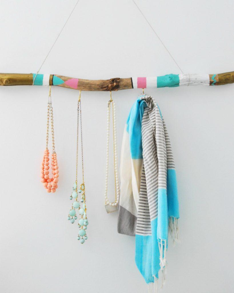 7 driftwood hanger