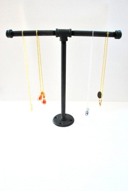 DIY galvanized steel pipe jewellery stand tutorial - via the sweetest digs