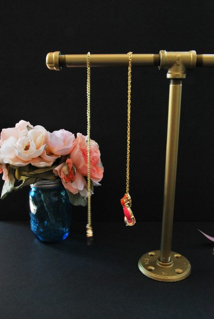 DIY galvanized steel pipe jewellery stand tutorial - via the sweetest digs