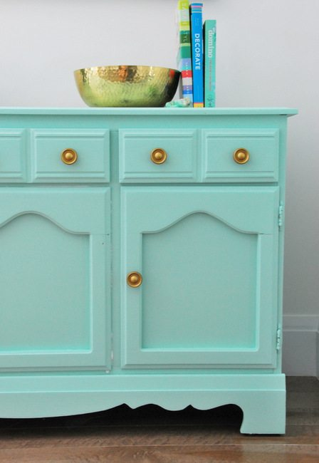 A DIY Mint And Gold Dresser Makeover   Via The Sweetest Digs