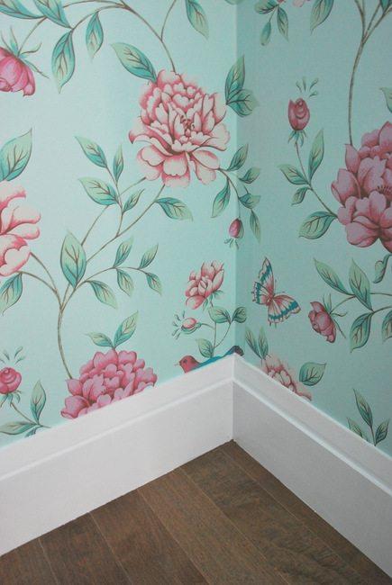 wallpapering-6