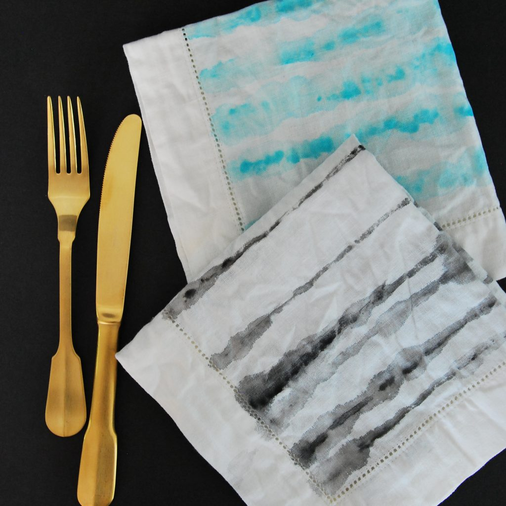 make these DIY watercolour painted napkins - a great handmade gift idea!