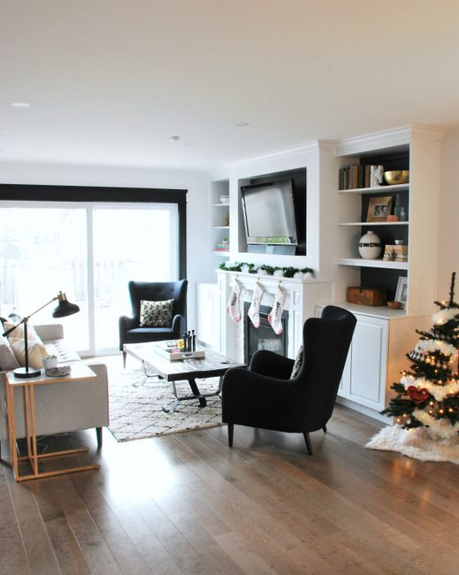 Check out this Blogger's Christmas House Tour featuring DIY budget decor in a black, white and gold scheme