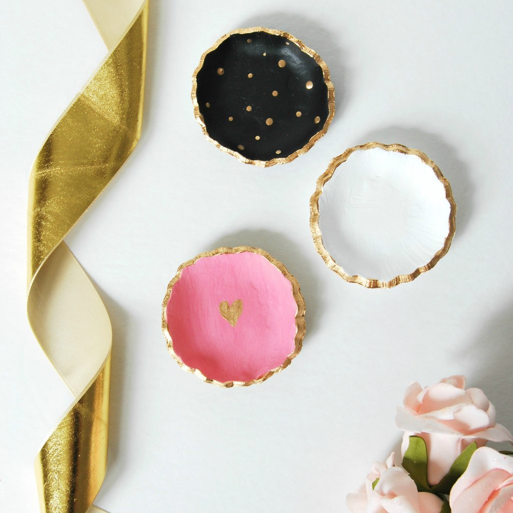 Make these super cute DIY painted ceramic jewelry dishes - all you need is clay, a cookie cutter, and paint! Beautiful handmade gift idea for under $5.