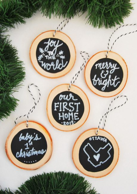 how to make diy chalkboard wood slice christmas ornaments super easy and a great handmade - Wooden Christmas Decorations To Make