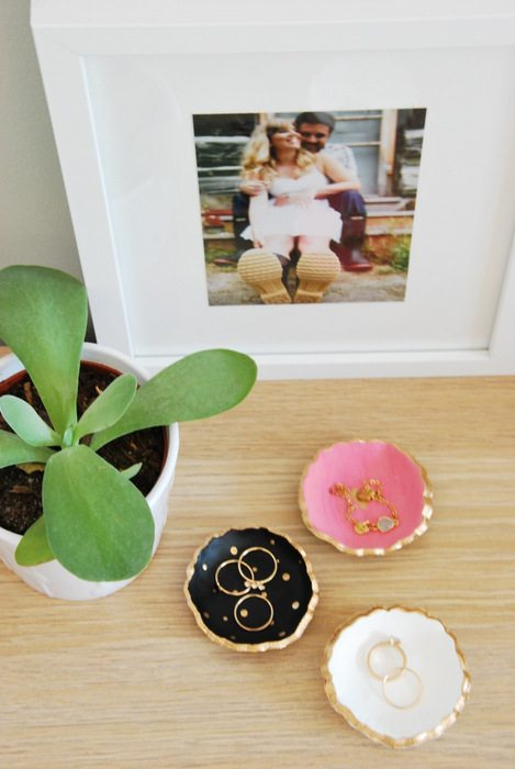 Make these super cute DIY painted ceramic jewelry dishes - all you need is clay, a cookie cutter, and paint! Beautiful handmade gift idea for under $5. A