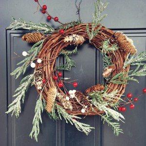 (the EASIEST) DIY rustic christmas wreath