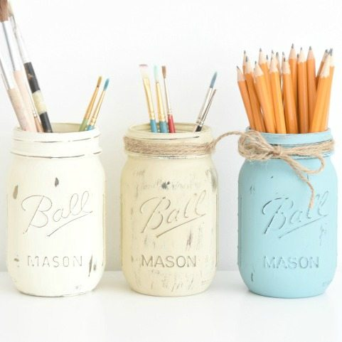 The Best Tutorial For Rustic DIY Painted Mason Jars