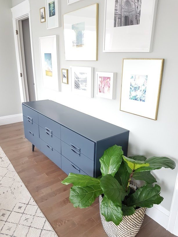 How to Paint Furniture | Need a tutorial on how to paint a piece of furniture? Upcycle a thrift store piece or hand me down dresser by painting it with furniture grade paint and the right tools! Click for the how-to. This is a great DIY project idea!