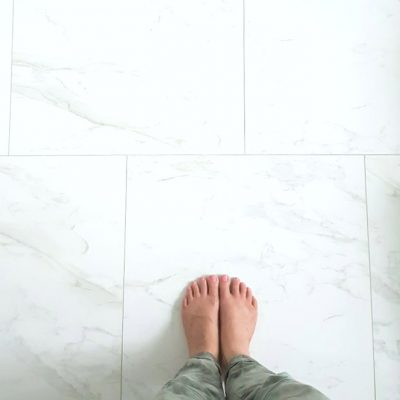 Choosing (faux) Carrara Marble Floor Tile for the Bathroom