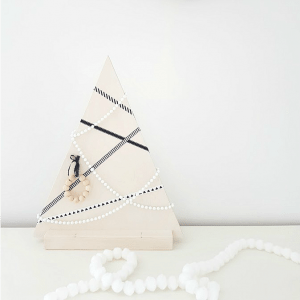 Make Your Own Modern Wooden Christmas Tree