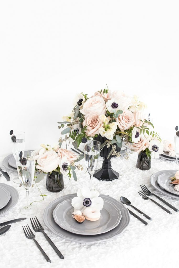 Easy, simple, pretty flower arrangement ideas for your next event! Perfect as tea party flowers, bridal showers, or baby showers. Click for DIY tutorial and more inspiration. #flowers #teapartyflowers #floralarrangements #eventflowers #flowerideas