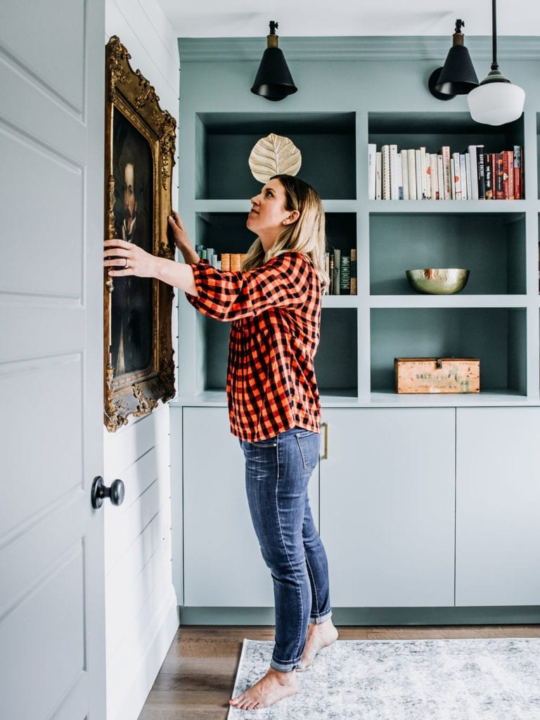 How to install shiplap walls in your home. Get that farmhouse Joanna Gaines look with easy to DIY shiplap from Home Depot! Click for tutorial.