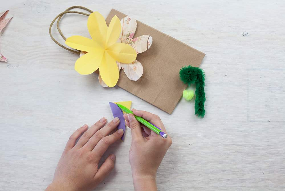 DIY flower gift bag